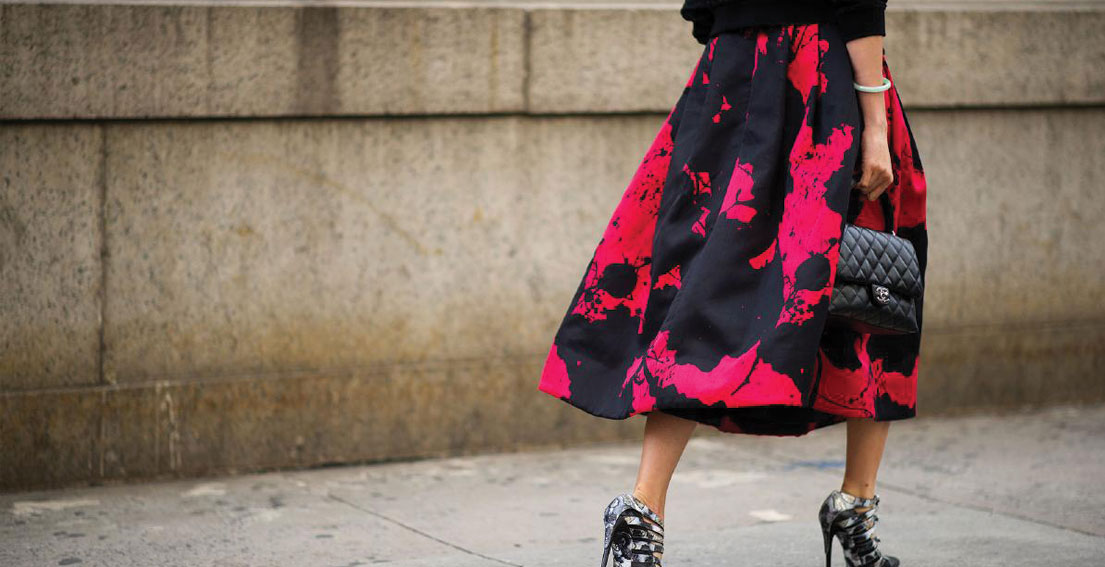 Street Style – How To Wear Midi Skirts