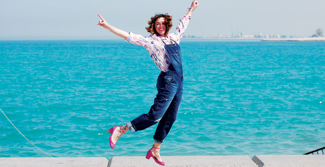 You are never too old to wear a denim overall - www.bonjourchiara.com