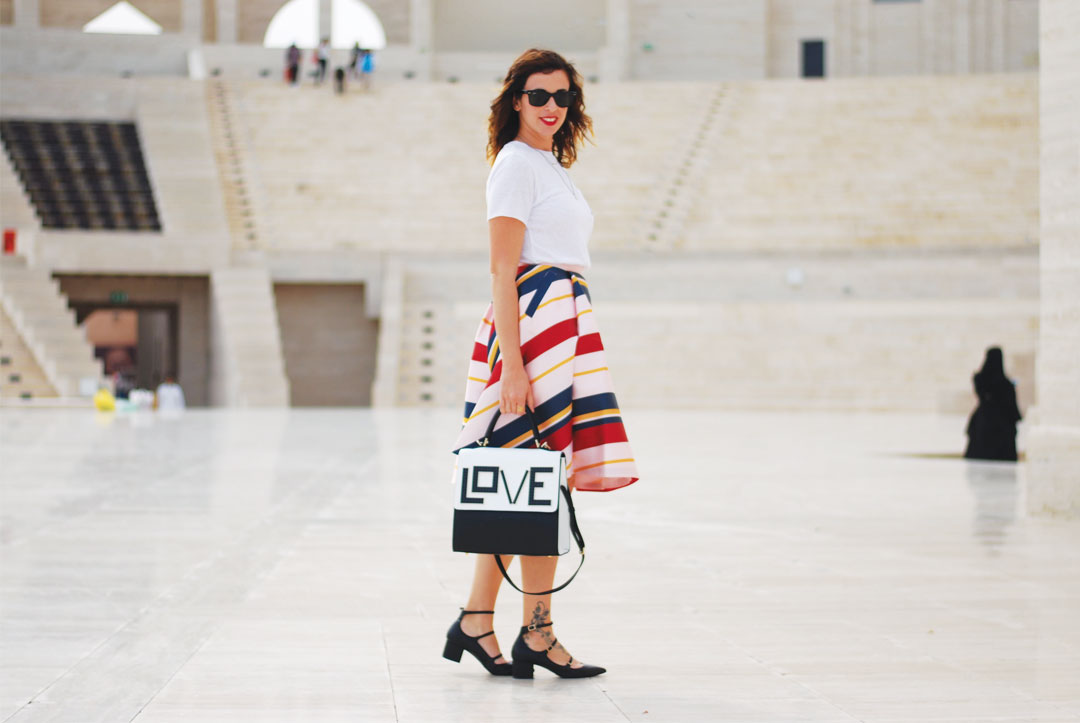 The striped-skirt manifesto: how to dress your favorite skirt with the coolest accessories. - www.bonjourchiara.com