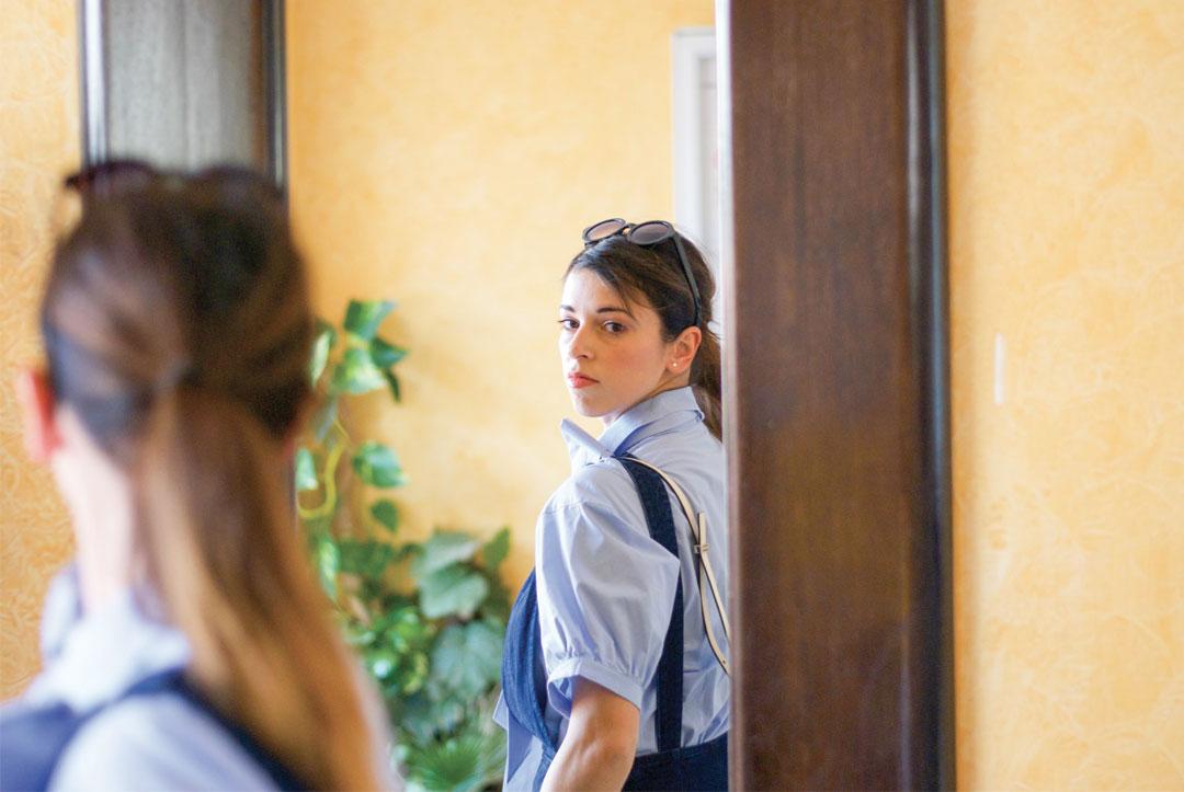 Bonjour Chiara Wears // H&M Maxi Bow Shirt - www.bonjourchiara.com