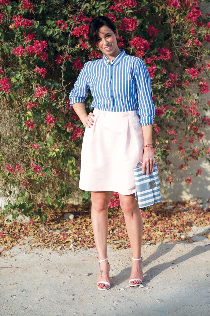 Bonjour Chiara Wears // Flowers + Easy Chic Outfit - www.bonjourchiara.com