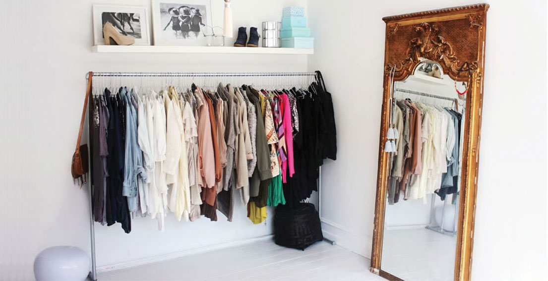 Bonjour Chiara Ideas // How to organize space when your bedroom doesn't come with a closet - www.bonjourchiara.com