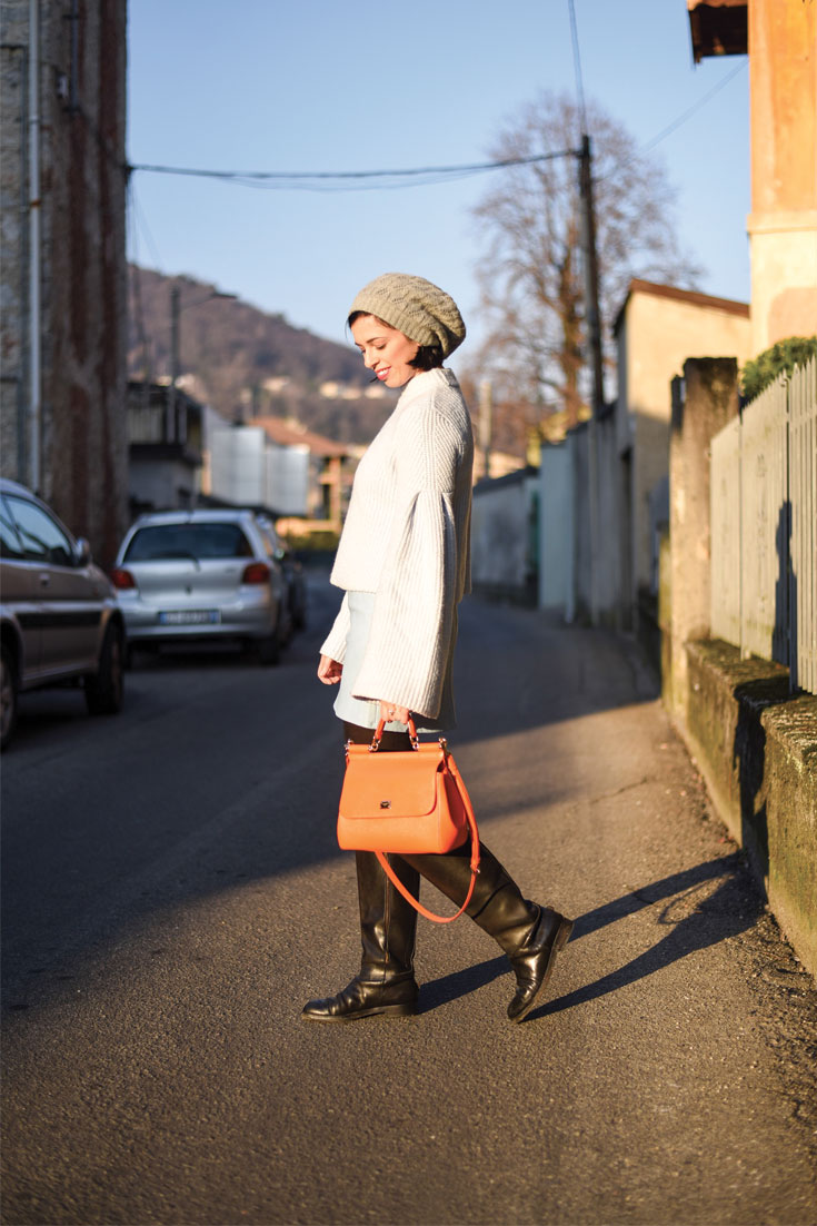 Bonjour Chiara Wears // How to style bell sleeve sweater