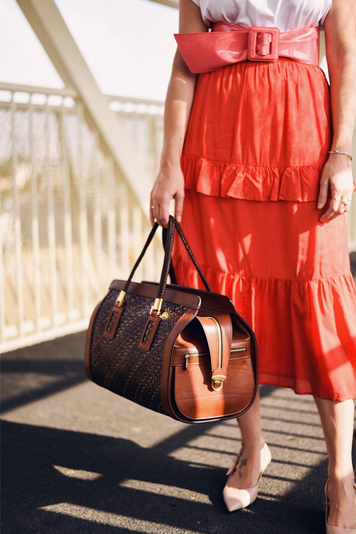 The ultimate gift idea for travel lovers - Athison travel size bag // www.bonjourchiara.com