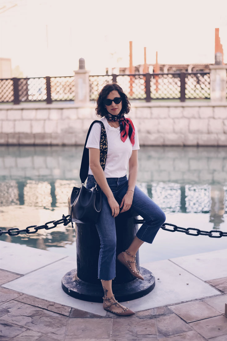 The proof that a silk scarf brings a fresh twist to daily looks // Bonjour Chiara