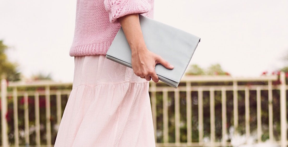 HOW I'M GETTING READY FOR SPRING - The day I wore pastel colors from head to toe: H&M maxi dress // H&M pink knitwear // Gazelle sneakers // Celine clutch