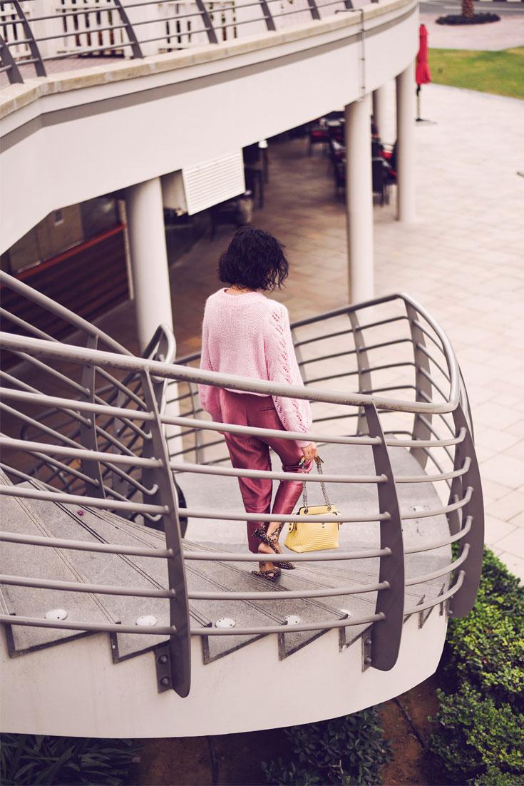 PINK LUREX HIGH WAIST PANTS - FENDI DOT COM BAG - PRADA SUNGLASSES - GANNI SHOES #ganni #lurex #pink #ootd