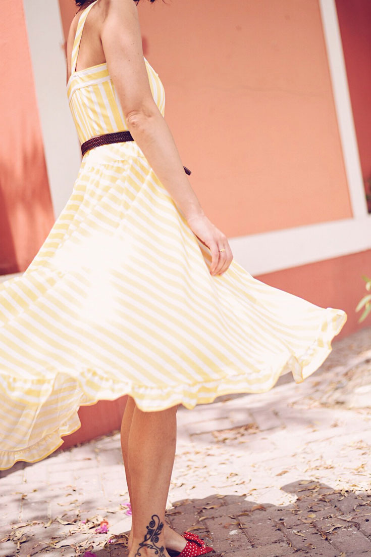 The prettiest vintage inspired striped dress for Spring - #CULTGAIA LUNA BAG