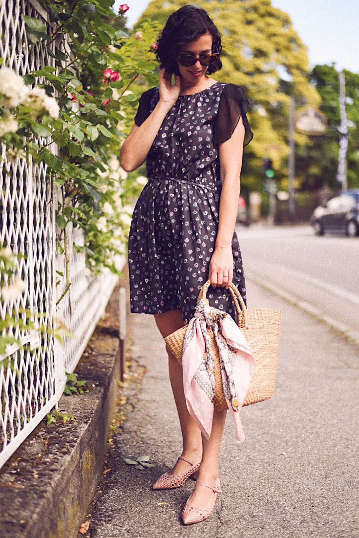 A Romantic Floral Dress worn in the city of flowers. Stress, Lago Maggiore #summerlook #floraldress