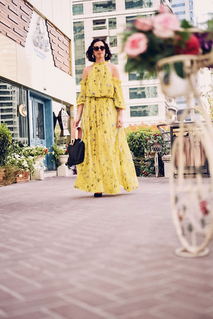 A wedding guest dress for summer - #Selfportrait #DanseLente #WeddingGuest #Wedding # Summer # MaxiDress #FloralDress