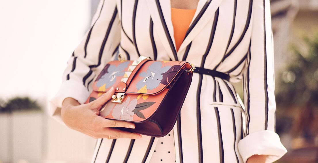 Playing with dots and stripes : Amanda Wakeley jacket and Valentino rocketed bag #valentino #amandawakeley #polkadots